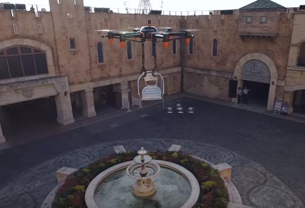 Dron con brazos roboticos